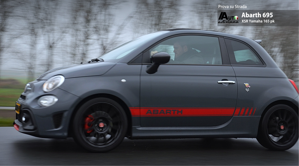 abarth 695 xsr yamaha 100 pure aantrekkingskracht auto edizione. Black Bedroom Furniture Sets. Home Design Ideas