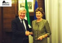 Minister Romani wijst vakbondsvoorzitter de deur