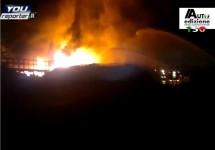 Grote brand op terrein van voormalige Alfa Romeo-fabriek te Arese