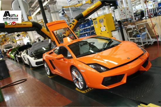 Lamborghini Maakt Reclame Voor Goede Kwaliteit Tijdens