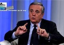 Minister Maurizio Sacconi tikt Fiat op de vingers
