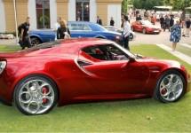 Alfa Romeo 4C kleurt Rosso Competizione op Villa d'Este