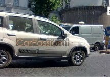 Fiat Panda 4×4 rijdt al rond in Napels