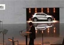 Fiat CEO François spreekt tot Mirafiori en toont SUV