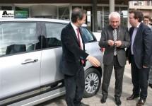 Burgemeester Kragujevac ontvangt sleutels Fiat 500L