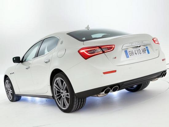 Maserati-Ghibli-2013-Shanghai-Motor-Show-04