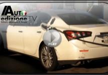 VIDEO: Maserati testwagenfeestje bij tankstation