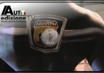 Abarth's kracht en sensualiteit inspireert tot bodypaintkunst