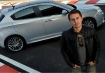 Jorge Lorenzo promoot Alfa Romeo vanaf de motor