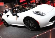 Alfa Romeo toont in Parijs zelfde 4C Spider