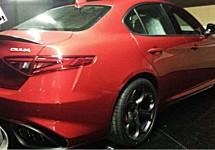SCOOP: Alfa Romeo Giulia in z'n blootje!