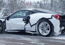 Ferrari test V6 in de sneeuw