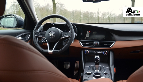 het uitgebreide amerikaanse platform voor consumenten in de automobielsector wardsauto heeft in de top 10 voor beste interieurs de alfa romeo giulia en de