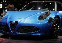 Alfa Romeo 4C duikt in Dubai op in oogverblindend Misano blauw