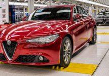 Eerste hybride Alfa Romeo rolt na de zomer van de band