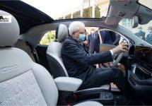 Fiat presenteert nieuwe elektrische 500 aan president
